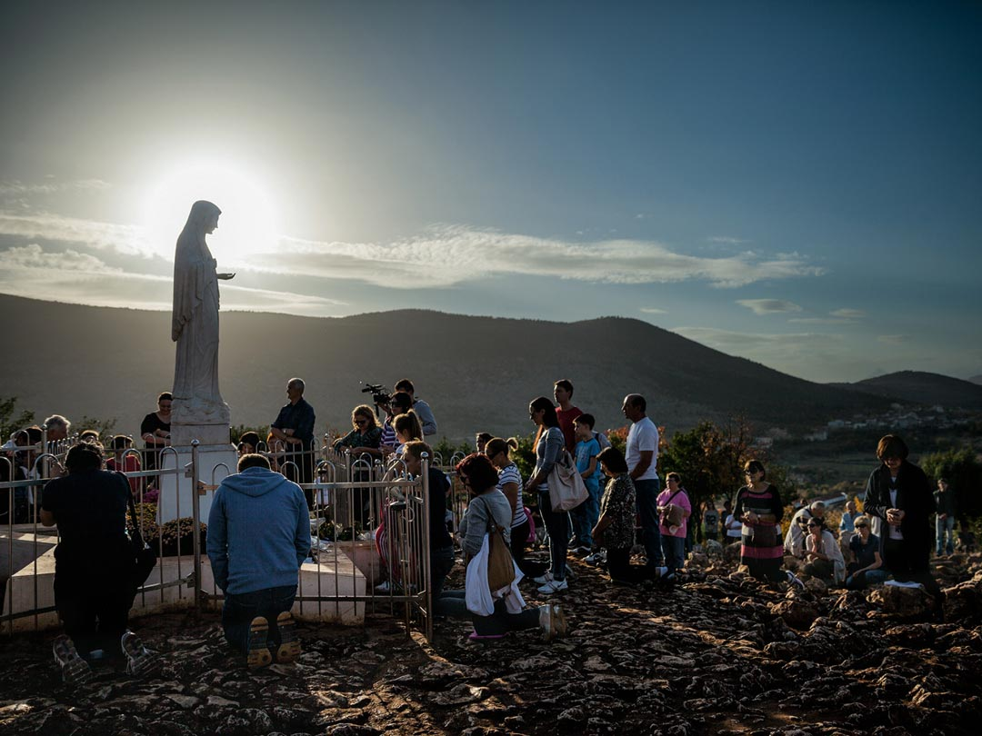 01-bosnia-herzegovina-pilgrims-1080.jpg
